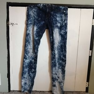 ❗Bleach patterned jeans/jeggings❗